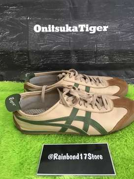 Onitsuka tiger grass green like new condition second size 44.5