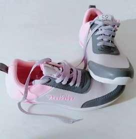 Jual sepatu baru wanita
