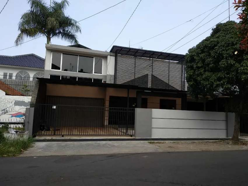Rumah Mewah Strategis Kawasan Turangga Bandung 0