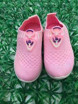 Sepatu pink sport girl size 23