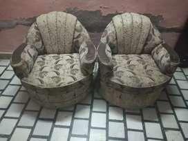 Sofa set is good condition
