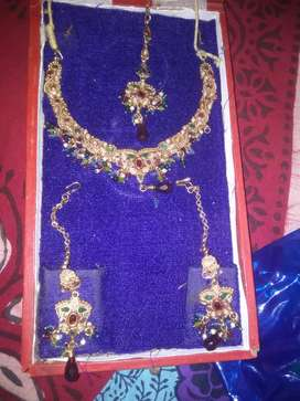 Necklace sell