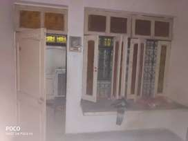 Room on rent near Johnston Ganj , chowk , civil lines niranjan cinema