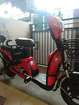 Sepeda motor listrik Uwinfly