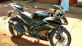 YamahaR15 black color