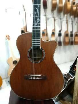 Gitar Akustik lakewood sunghajung
