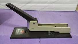 Staples MAX Jumbo Original HD-12L/17