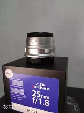 Lensa fix 25mm f1.8 7artisans for Lumix M43 lengkap Dus buku