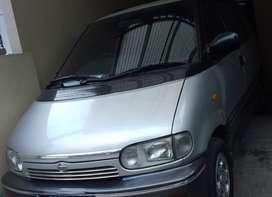 Jual Nissan Serena C23 th 1999