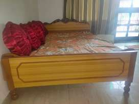 Best single bed,large size (6/4),new condition ,best price