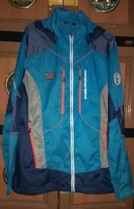Jaket running trespass