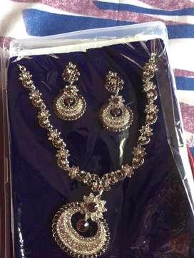 I sell my new jewellery