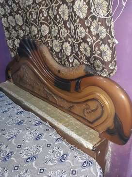 BED and Almari FOR SALE DICO PAINT