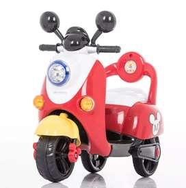 Motor aki Minion dan mickey