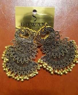 Oxidized gold earrings