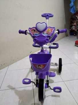 Sepeda anak diatas 1thn