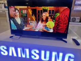 Tv smart samsung 32 inci