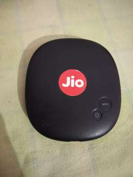 Jio Wifi with charger