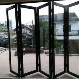 Pintu lipat kaca (aluminium) anti karat dgn pemasangan nya yg terbaik