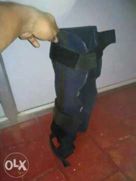 Leg support for injury