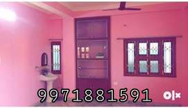 2BHK Royal flat for rent in gola road with free maintanace and parking