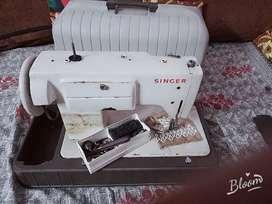 Singar stitching machine