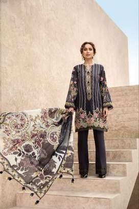 Replica 3pc lawn suit with shafoon dupatta at discounted price
