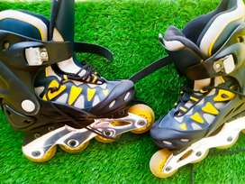 Emported 4 Wheels Skates at cheap price