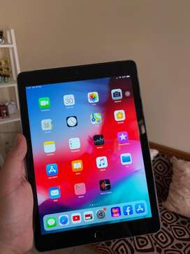 "WTS IPAD 9.7"" 2017 (A1823) SPACE GRAY 32GB SECOND MULUS (LIKE NEW)"