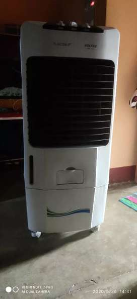 Voltas victor cooler in v gud condition