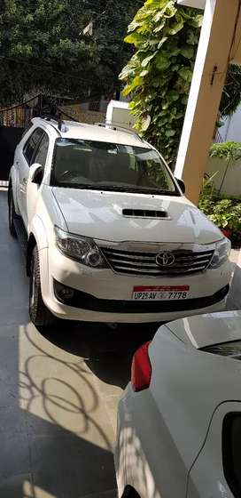 Toyota Fortuner 2013 Diesel Well Maintained, new tyres, super average