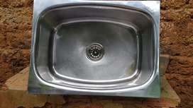 Big wash basin  , good one  .