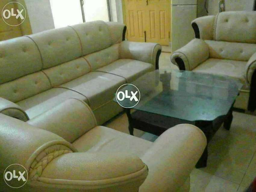 Loot Marr sale Al Muslim Furniture Mall 5 seater sofa set only 13500 0
