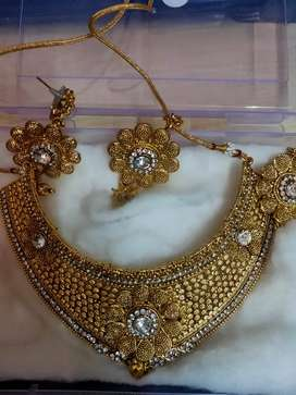 Necklace with Ear Ring And Tika Rs.500 Only