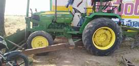 Good condition  and work good full caluth palate sill casing tires