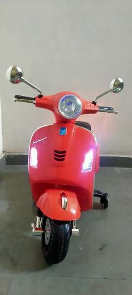 Kids Ride on Battery Operated SCOOTY Manual