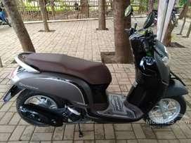 Honda Scoopy abu abu di djayamotor melayani cash dan kredit
