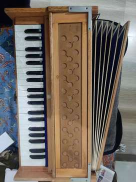 Harmonium | Double reed | 7 parde | 3.5 Octave