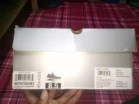 Sepatu SKECHERS 900