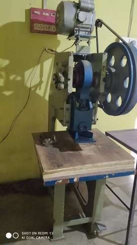 Slipper making and cutting machine 2,50,000
