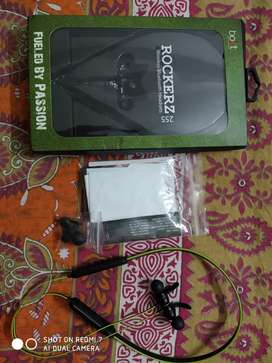 Boat rockerz 255 Bluetooth earphones
