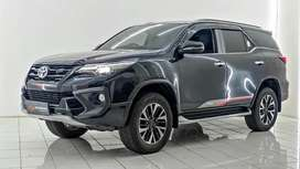 Toyota fortuner 2.4 VRZ AT