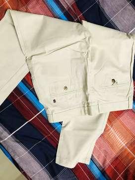 3 unused  Louise Philip cheenos, Urbana trouser & Jeans