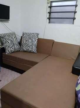Sofa bekas bersih dapat meja