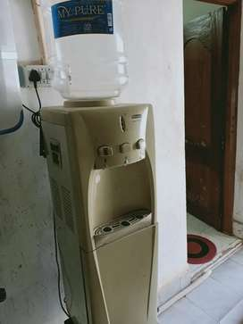 Water cooler for cold and hot water