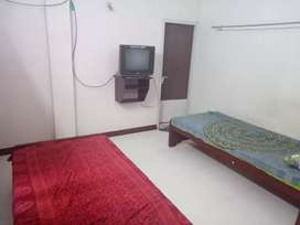 4 sharing room PG Hostel for men's at Nungambakam with food