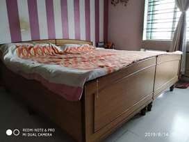 Available 1or 2 bhk fully furnished flat for rent in Saltlake Sector-4