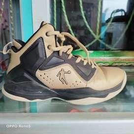 Dijual sepatu impor merk jordan