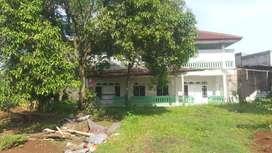 Disewakan Rumah luas di Parung. Cocok juga untuk Konveksi atau Gudang