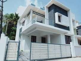 4Bhk 2000 sqft Grand House in Kakkanad near seaport Road